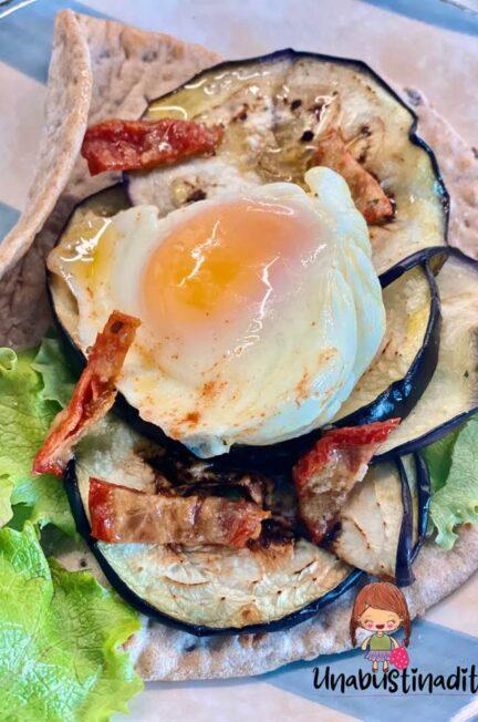 tortilla con uova in camicia
